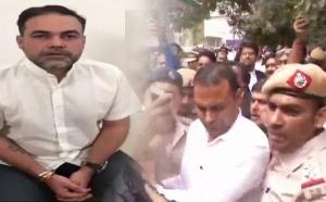 हयात होटल कांड: बंदूक लहराने वाले BSP के पूर्व सांसद के बेटे ने किया सरेंडर