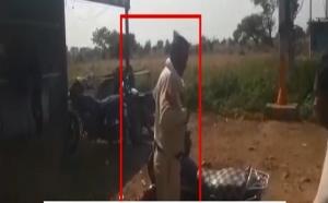 मध्यप्रदेश: शराब के नशे में धुत्त पुलिसकर्मी का वीडियो वायरल, एसपी ने किया सस्पेंड