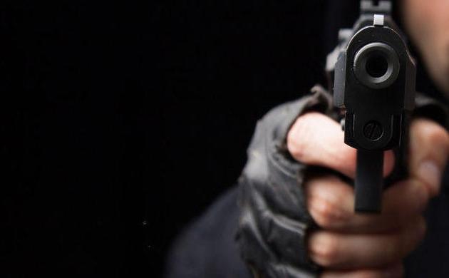 RAAT K GUNAH: लखनऊ में गोली लगने से मजदूर घायल