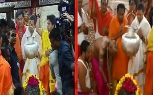 इंदिरा, सोनिया के बाद अब राहुल ने किया महाकाल का दर्शन