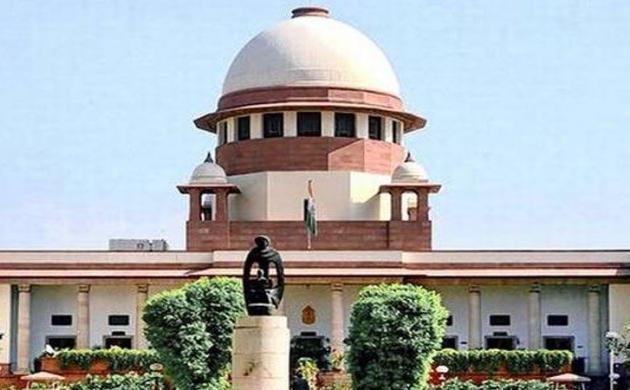CBI विवाद : CVC ने आलोक वर्मा के खिलाफ जांच रिपोर्ट लेकर सुप्रीम कोर्ट सुप्रीम कोर्ट पहुंची