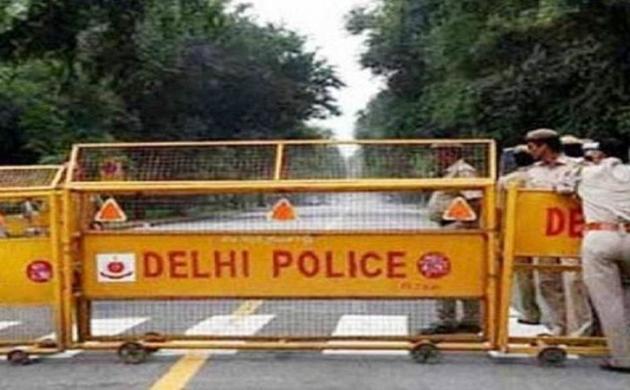 दिल्ली पुलिस का 'सिंघम', हवा में उछलकर बदमाशों को पकड़ा