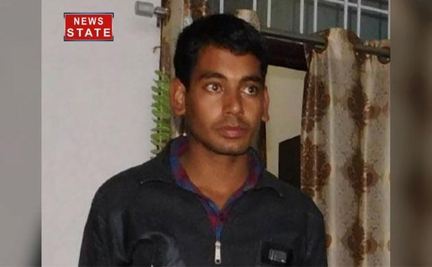 BSF में खराब खाने का आरोप लगाने वाले जवान तेज बहादुर के बेटे ने की आत्महत्या
