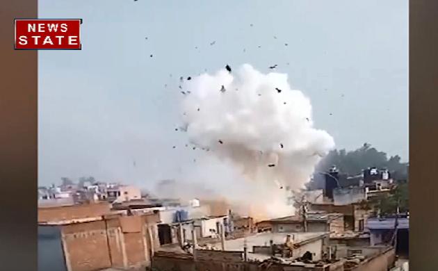 रामपुर के एक मकान में अचानक सिलेंडर फटने से एक की मौत देखिए VIDEO