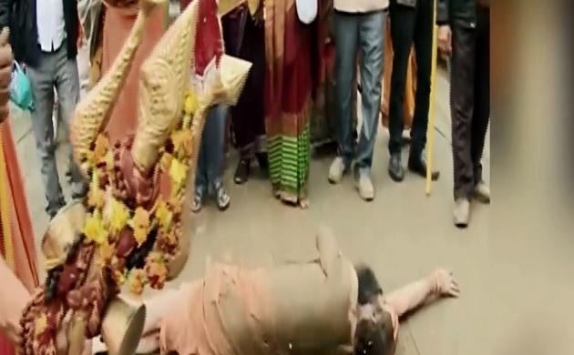 Kumbh mela 2019: अयोध्या में राम मंदिर के लिए मौनी महाराज का 'हठ योग', देखें ये स्पेशल शो