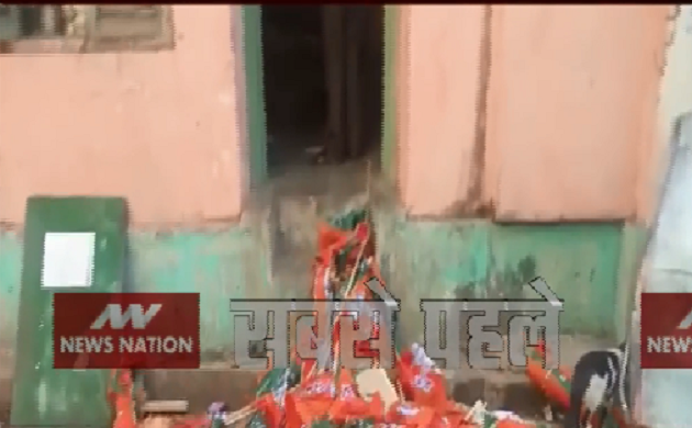 पश्चिम बंगाल: भवानीपुर में TMC के कार्यकर्ताओं ने BJP दफ्तर में की तोड़फोड़