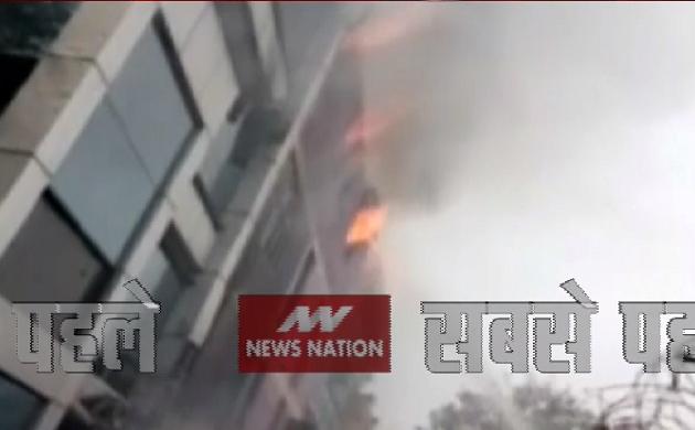 Khabar Cut2Cut: दिल्ली के नारायणा में फैक्ट्री में लगी आग,  देखिए देश दुनिया की सभी बड़ी खबरें 30 मिनट में