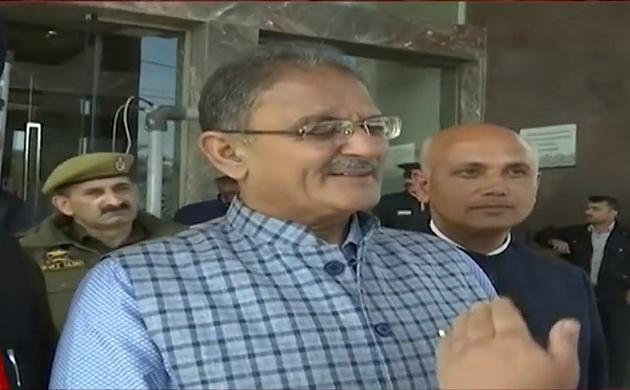 इलेक्शन कमीशन की टीम जम्मू-कश्मीर के दौरे पर