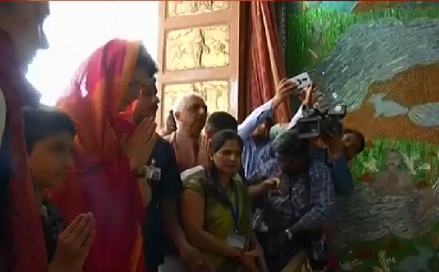 Election Update : मां विंध्यवासिनी करेंगी प्रियंका की मुराद पूरी !