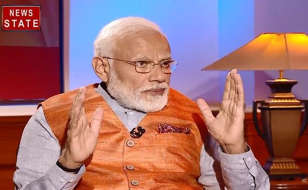 कांग्रेस पार्टी पर क्या कटाक्ष मारा Narendra Modi ने, देखिए PMO का  Exclusive Interview दीपक चौरसिया के साथ