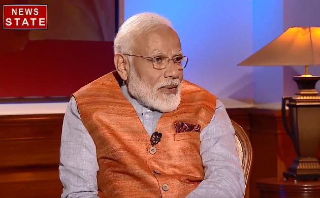 कैसे ली थी डिजिटल कैमरा से Narendra Modi ने AK Advani की तस्वीर, देखिए PM Modi का Exclusive Interview
