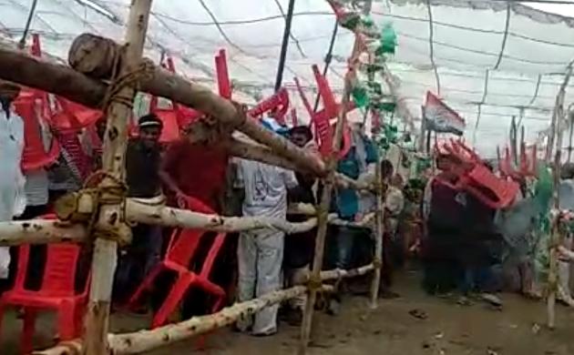 प्रियंका गांधी की रैली में यह क्या हो गया, देखें वीडियो