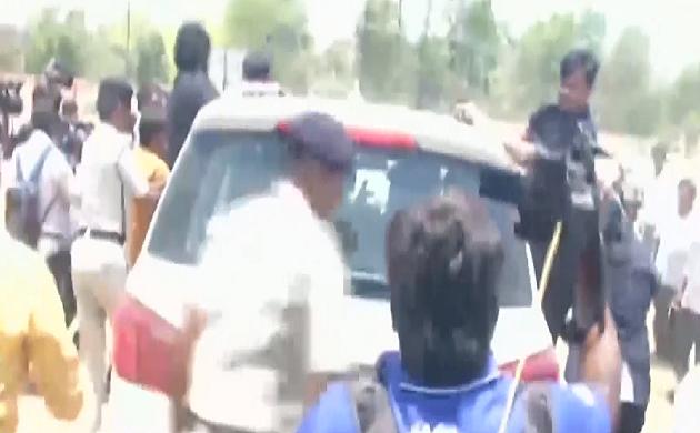 Election 2019 : Tej Pratap Yadav के सुरक्षाकर्मियों ने मीडिया कर्मियों के साथ की बदसलूकी