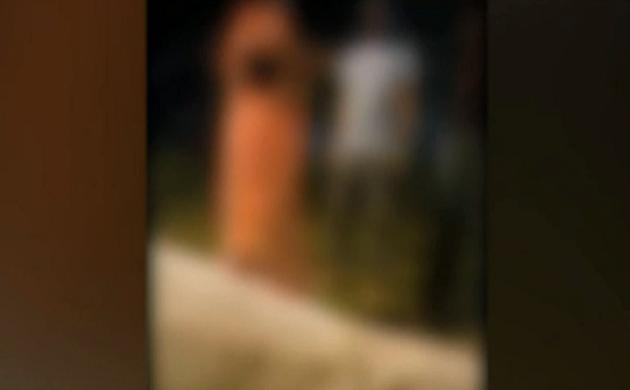 Shocking News : हरियाणा पुलिस ने महिला की थाने में बेल्टों से की पिटाई