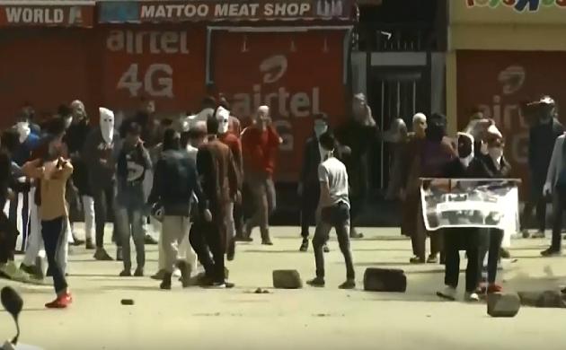 Breaking : ईद के मौके पर नापाक करतूत, श्रीनगर में हुई पत्थरबाज़ी