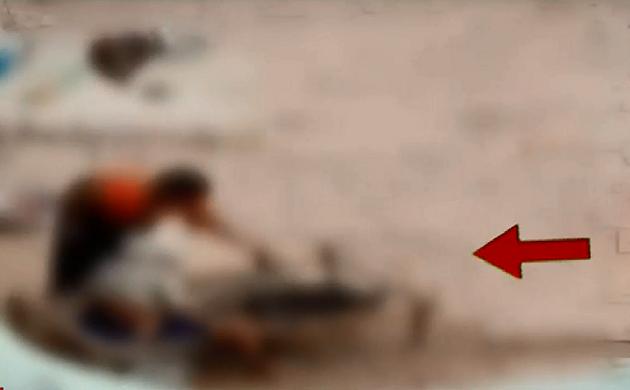 Viral Video : सास के साथ बहू की बेरहमी