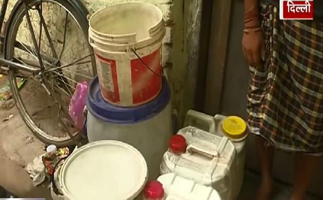 दिल्ली के तैमूर नगर में पानी का संकट