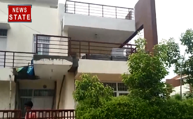 IAS अधिकारी विवेक के घर सीबीआई का छापा, अवैध तरीके से खनन पट्टे देने का आरोप
