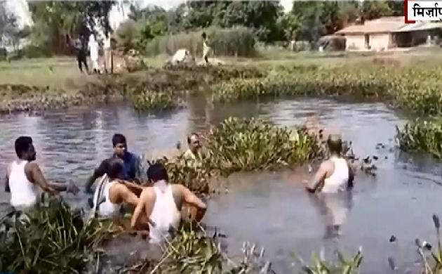 Uttar Pradesh : मिर्जापुर के डीएम ने की तालाब की साफ-सफाई, देखिए VIDEO