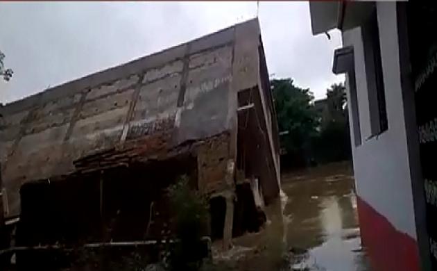 सैलाब बेहिसाब : देश-दुनिया में बाढ़ का संघर्ष, बिहार-असम में जीवन अस्त-व्यस्त