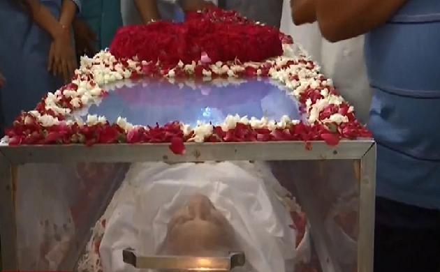 Sheila Dikshit Funeral : आखिरी सफर पर Sheila Dikshit, दोपहर 2:30 बजे होगा अंतिम संस्कार
