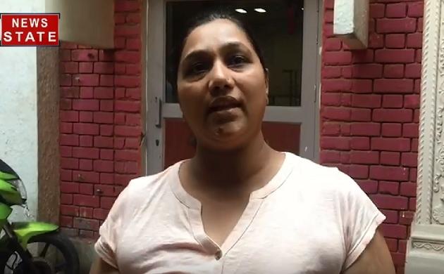 दिल्ली में पीएम नरेंद्र मोदी की भतीजी का पर्स छीनकर भागे बदमाश, देखिए ये Video