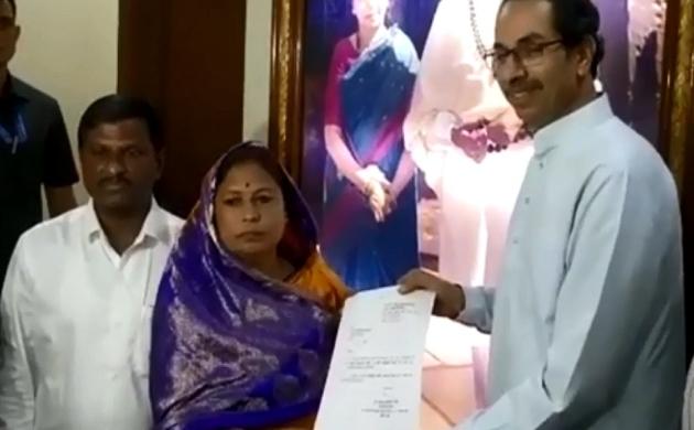 महाराष्ट्रः एक और निर्दलीय विधायक मंजुला गावित का मिला शिवसेना को समर्थन