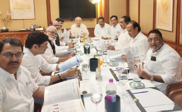 महाराष्ट्र की राजनीति पर कांग्रेस और एनसीपी के बीच चली गुप्त मीटिंग, सरकार बनाने पर मंथन जारी