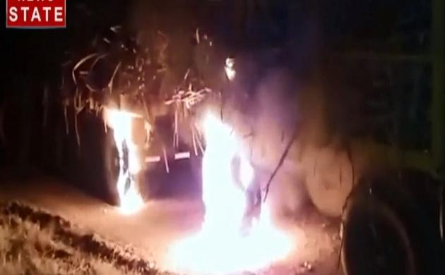Maharashtra: कोल्हापूर में गन्ना आंदोलन की शुरूआत, स्वाभिमानी किसान संघटन द्वारा जलाए गए कई ट्रॅक्टर