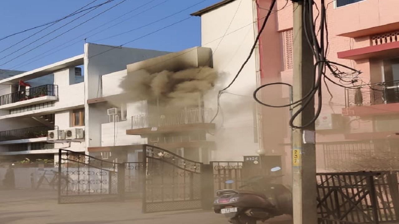 Girls PG में लगी भीषण आग, 3 लड़कियों की जलकर मौत, एक गंभीर रूप से घायल