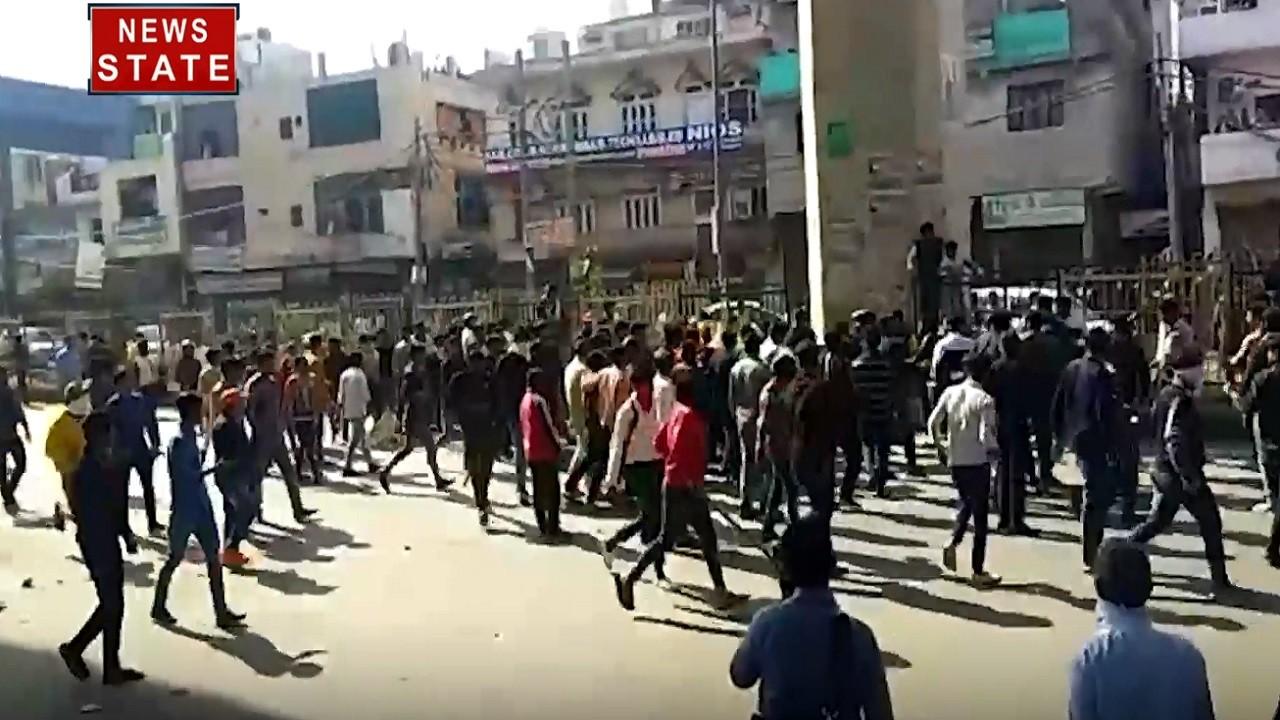 CAA Protest: मौजपुर में फिर पत्थरबाजी, 10 पुलिसकर्मी जख्मी